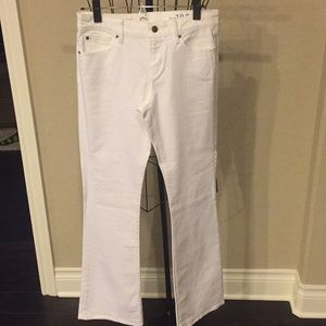 Gap white boot cut jeans size 27 L.